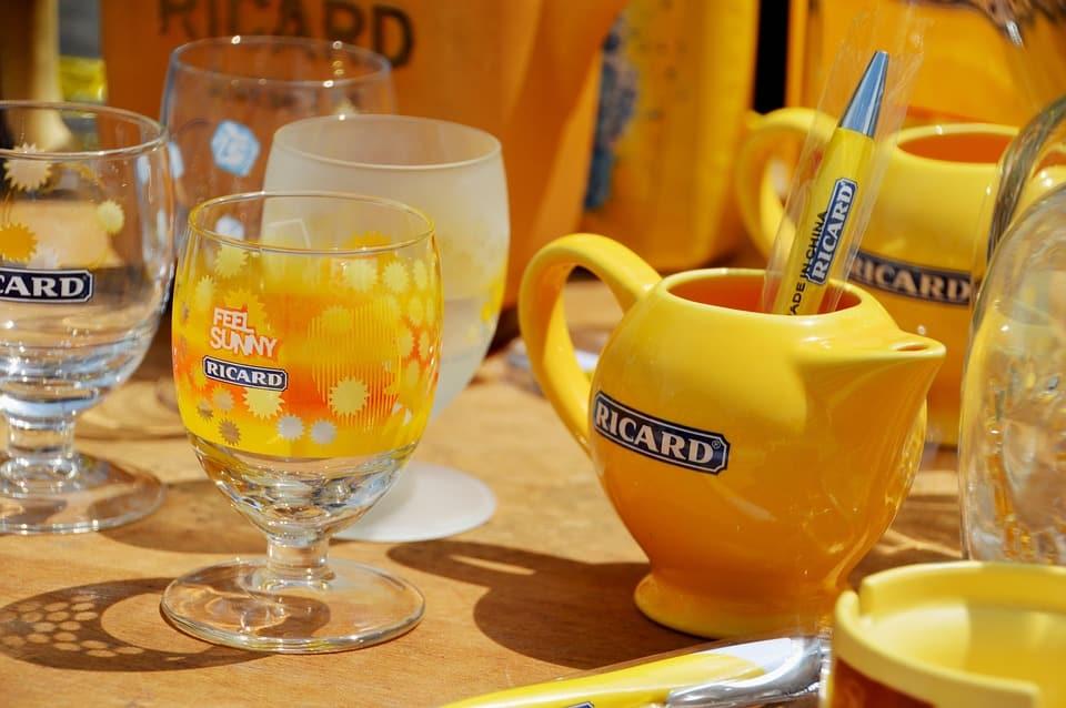 Le Pastis Ricard, une boisson chargée en histoire!